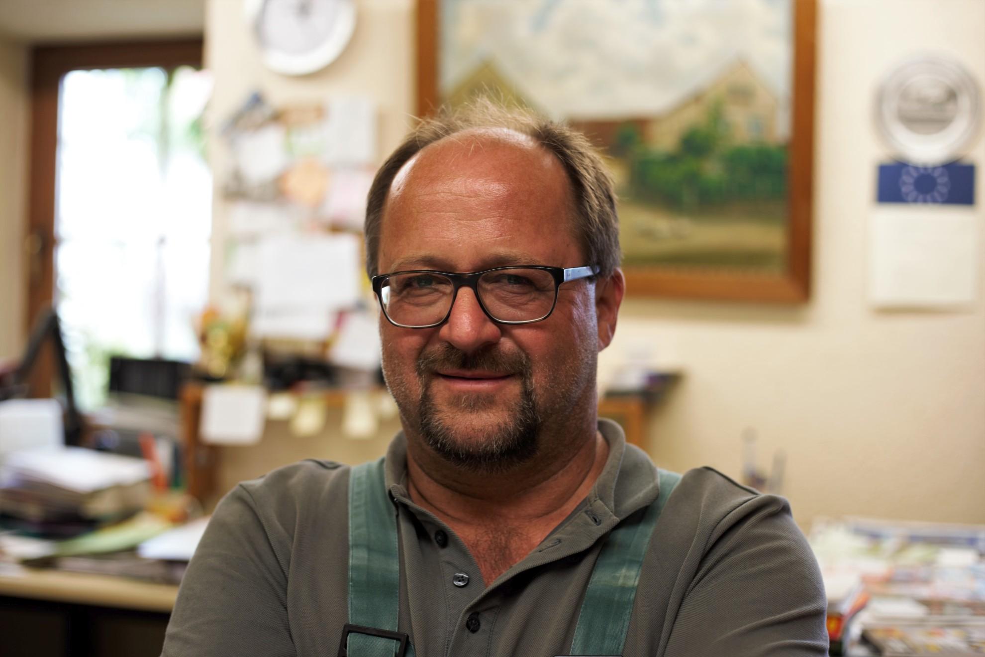 Steffen Irmer in seinem gemütlichen Büro.