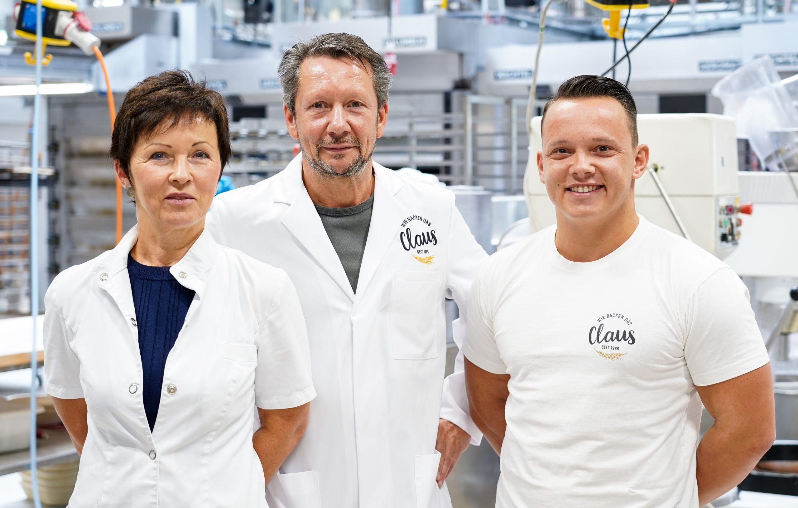 Steffi, Lutz und Lukas Claus (v.l.n.r.) in ihrem Betrieb. (Foto: Baufirma Vollack)