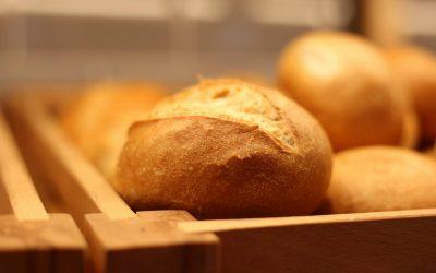 Bäckerei Latsch aus Bernburg: Ossibrötchen und Baisertorte