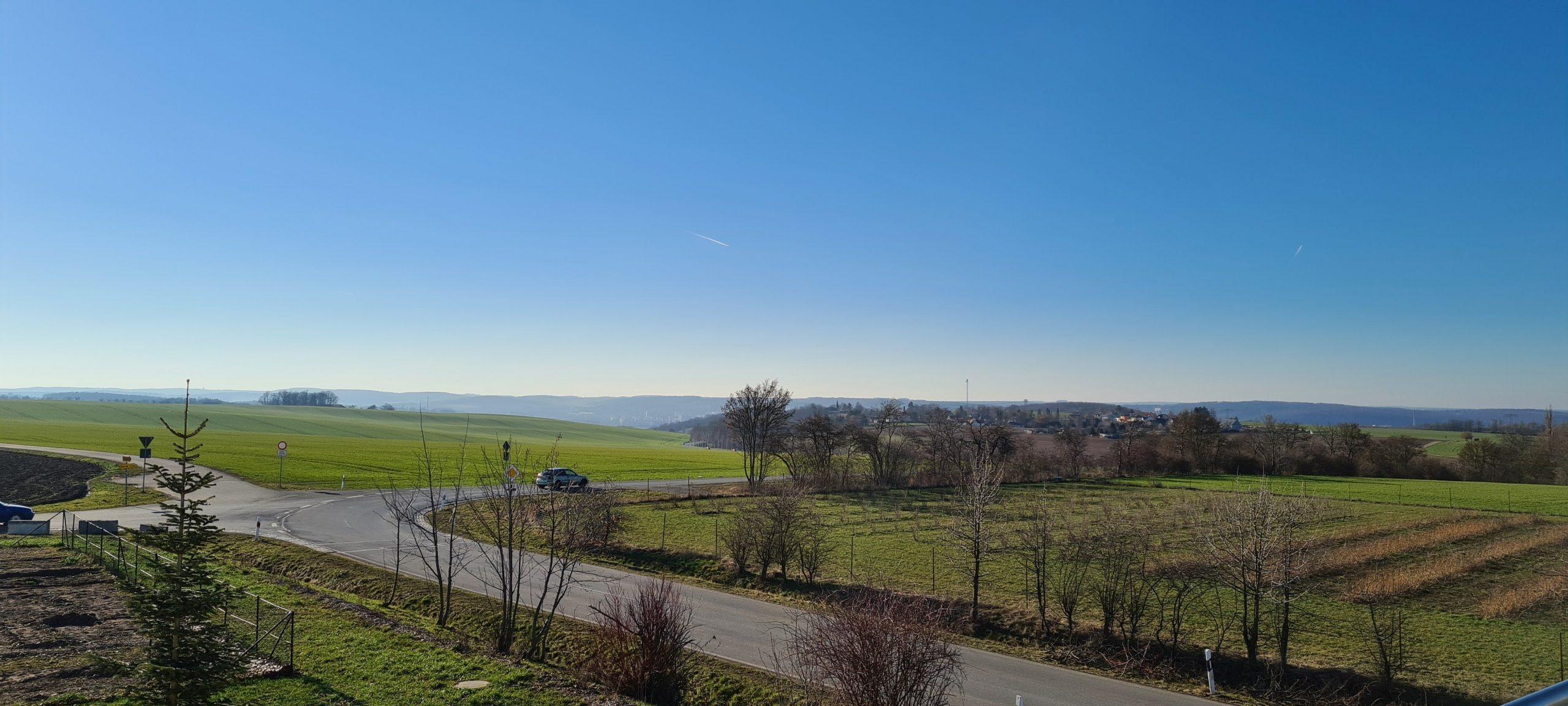 Direkt von der Agrargenossenschaft Kauern aus kann man auf Gera schauen. (Foto: Sven Wernicke)