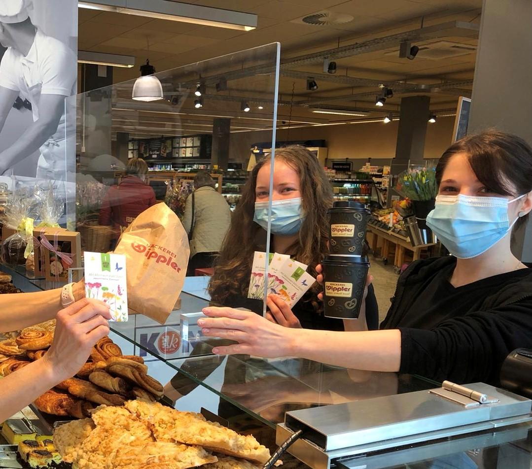 Bei Bäckerei Wippler in Dresden freuen sich Kunden über die Samentüten. (Foto: Bäckerei Wippler)