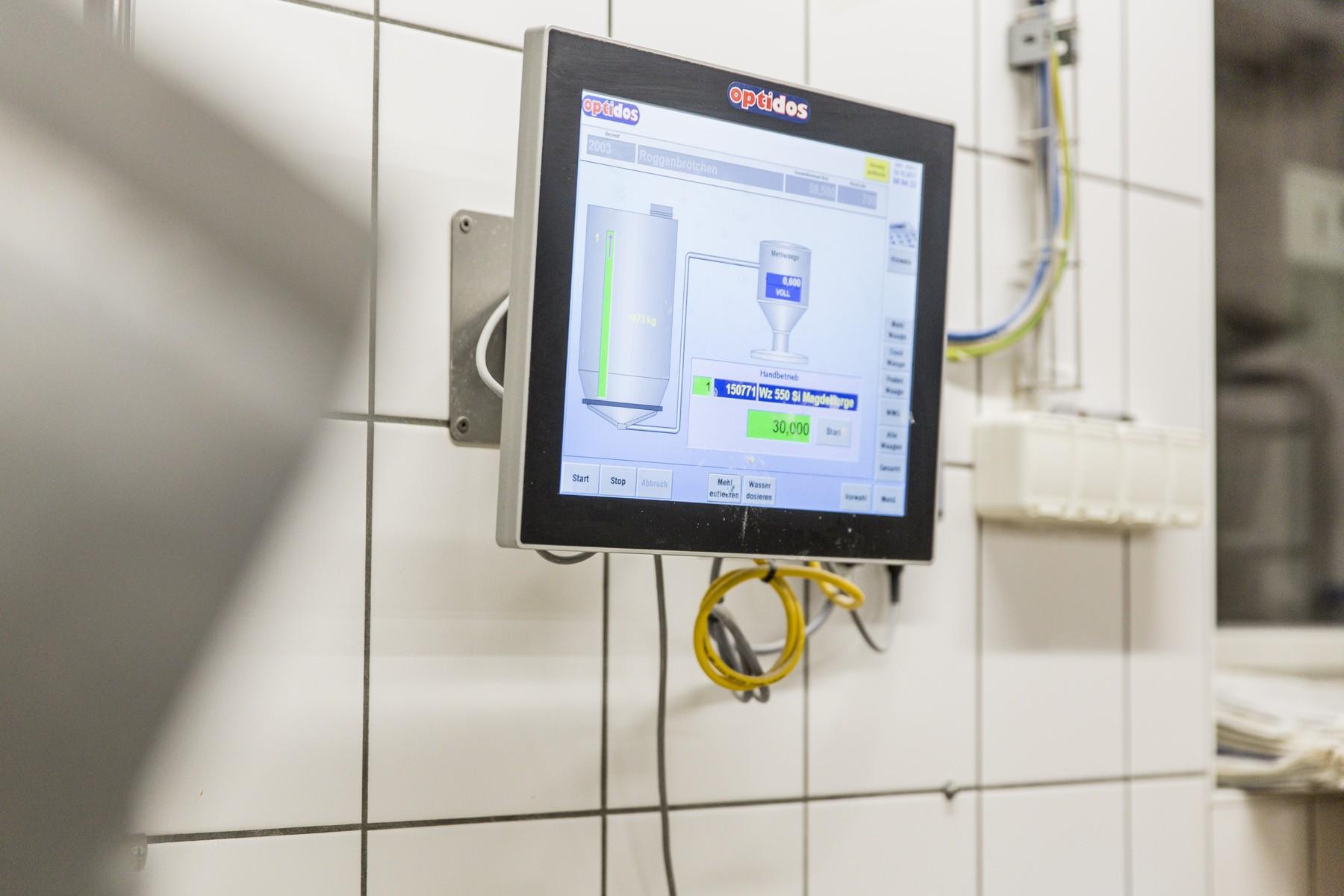 Computer helfen, die Qualität sicherzustellen und zu erhöhen. (Foto: Landbäckerei Schröder)